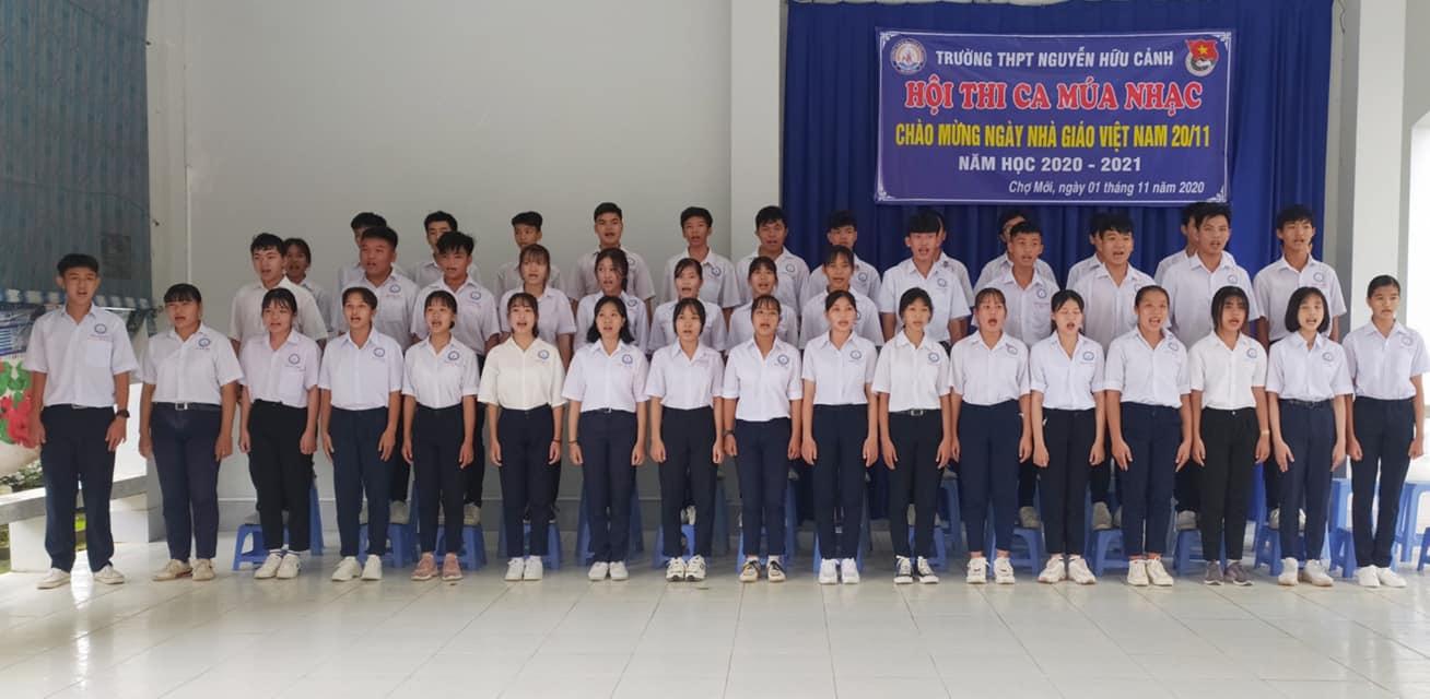 đồng phục học sinh nữ học trái buổi - trường THPT Nguyễn Hữu Cảnh