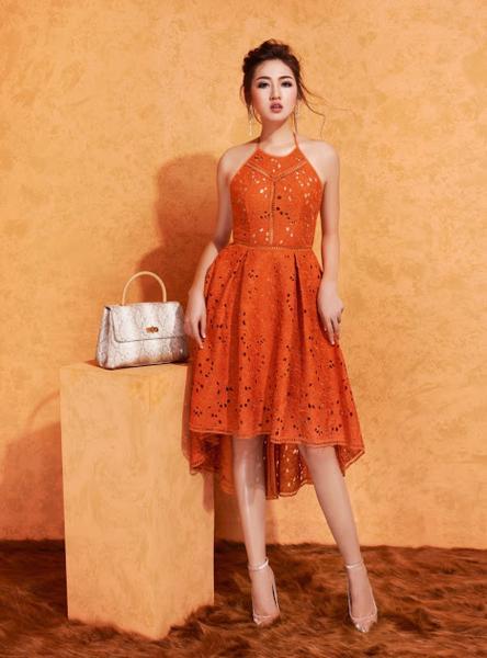 Đầm Cổ Yếm vàng cam