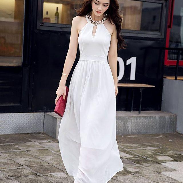 Đầm Cổ Yếm
