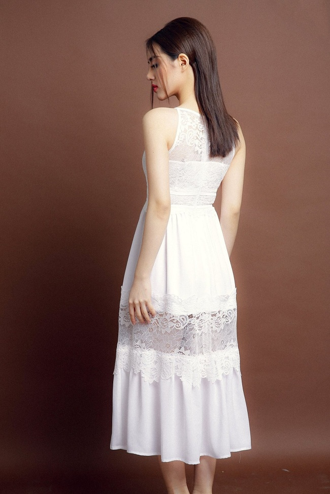 Đầm Cổ Yếm dễ thương màu trắng